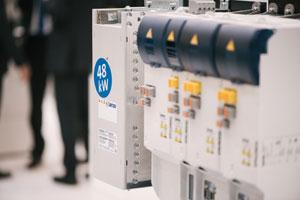 Bremsenergie effektiv genutzt – Lenze macht Netzrückspeisung attraktiver. Foto: Lenze SE