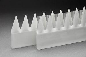 Die Kammstruktur des neuen geräuschreduzierenden Aerodynamik Add-Ons für die Hinterkante der Rotorblätter haben die Entwickler von den Schwingen der Schleiereule abgeleitet. Im Hintergrund ist zum Vergleich das alte DinoTail abgebildet.
