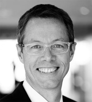 Volker Schinkel, neuer Geschäftsführer Marketing- und Vertrieb bei oxaion: ,,Eine meiner Hauptaufgaben besteht darin, die erfolgreiche Positionierung von oxaion im zentraleuropäischen  Markt für Unternehmenssoftware weiter auszubauen - Wir bieten eine
